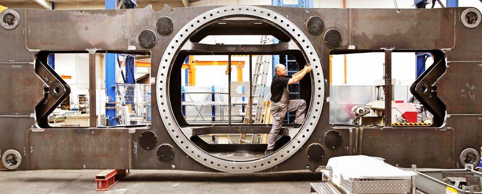 Es läuft nicht mehr rund: Die deutsche Industrie stellte im Dezember 3,5 Prozent weniger her als im Vormonat. Das ist der stärkste Einbruch seit der Finanzkrise