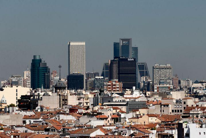 Madrid schließt alle Restaurants, Bars und Geschäfte