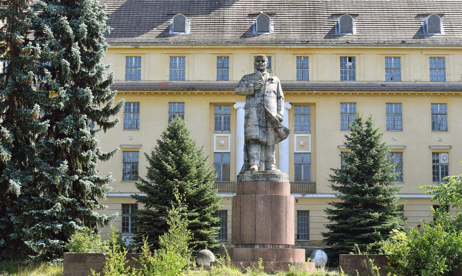 Ex-Militärstandort Wünsdorf Sowjetarmee Lenin Denkmal
