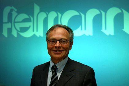 Platz 2: Günther Fielmann genießt das Vertrauen von 66 Prozent der Befragten. Im Vergleich zum vorigen Börsenbarometer vom November 2004 rückte er im Ranking um zwei Plätze vor.