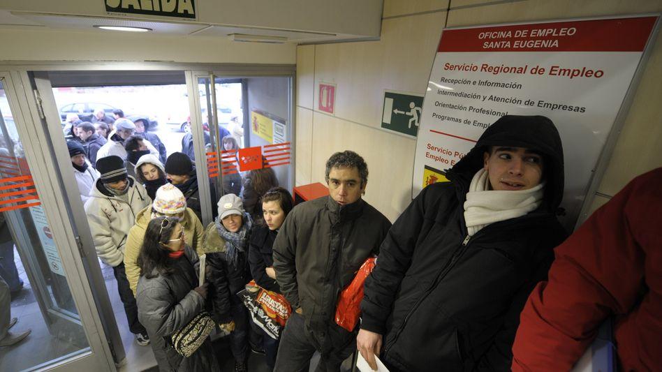 Warten auf einen Job: Die Krise am Hausmarkt ließ die spanische Wirtschaft abstürzen
