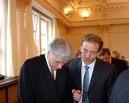 Heute schweigsam: Alexander Falk, hier mit seinem Verteidiger Sven Thomas
