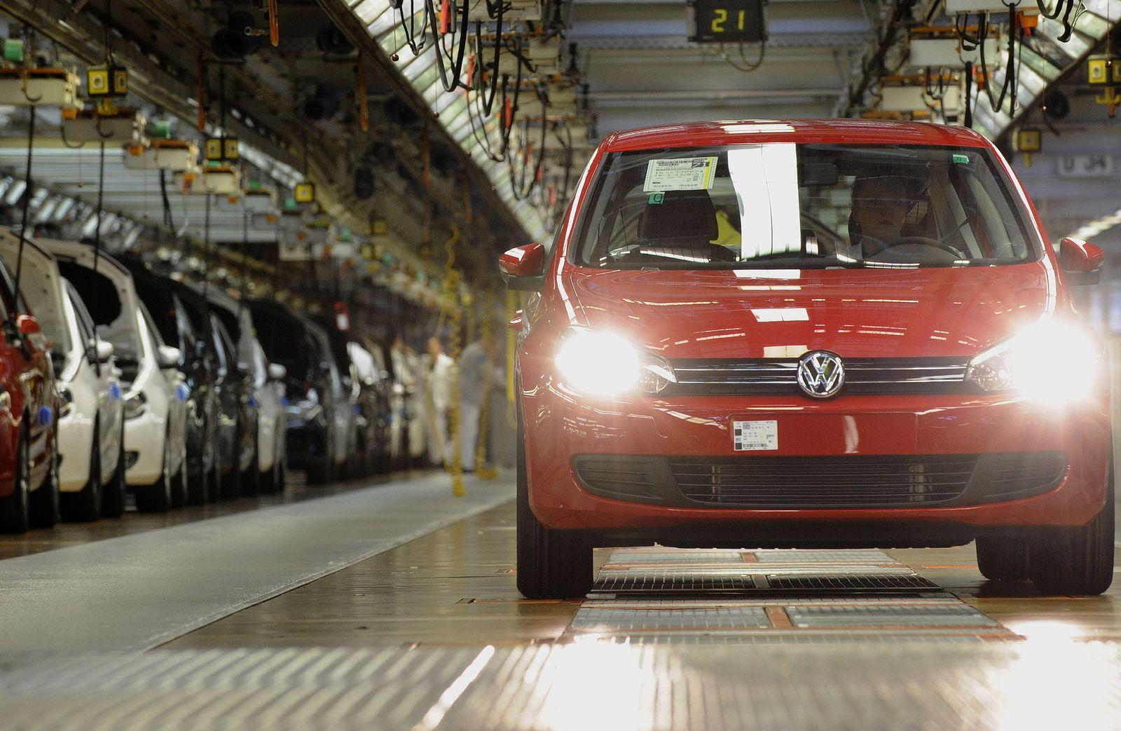 NICHT VERWENDEN Produktion Unternehmen / Emblem / VW / Bilanzen / Volkswagen