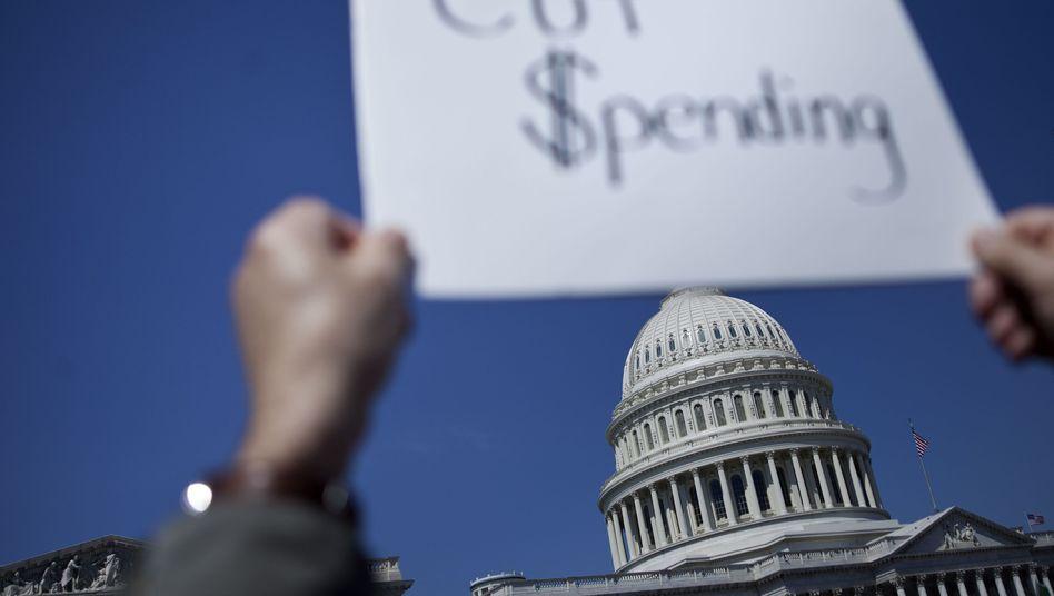 Capitol in Washington: Die Republikaner, allen voran Aktivisten der Tea Party, haben bislang eine Einigung im Schuldenstreit verhindert. Sie wollen Steuererhöhungen um jeden Preis vermeiden