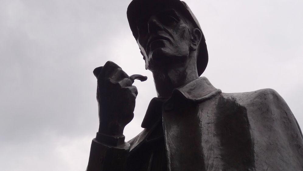 Mit Cape und Kappe: Auf den Spuren von Sherlock Holmes durch London