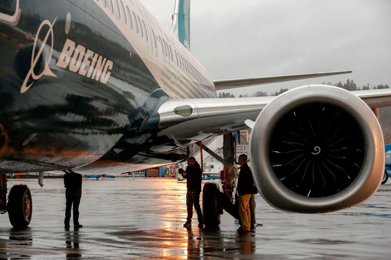 FILES-US-AVIATION-AEROSPACE-737MAX-BOEING-EARNINGS