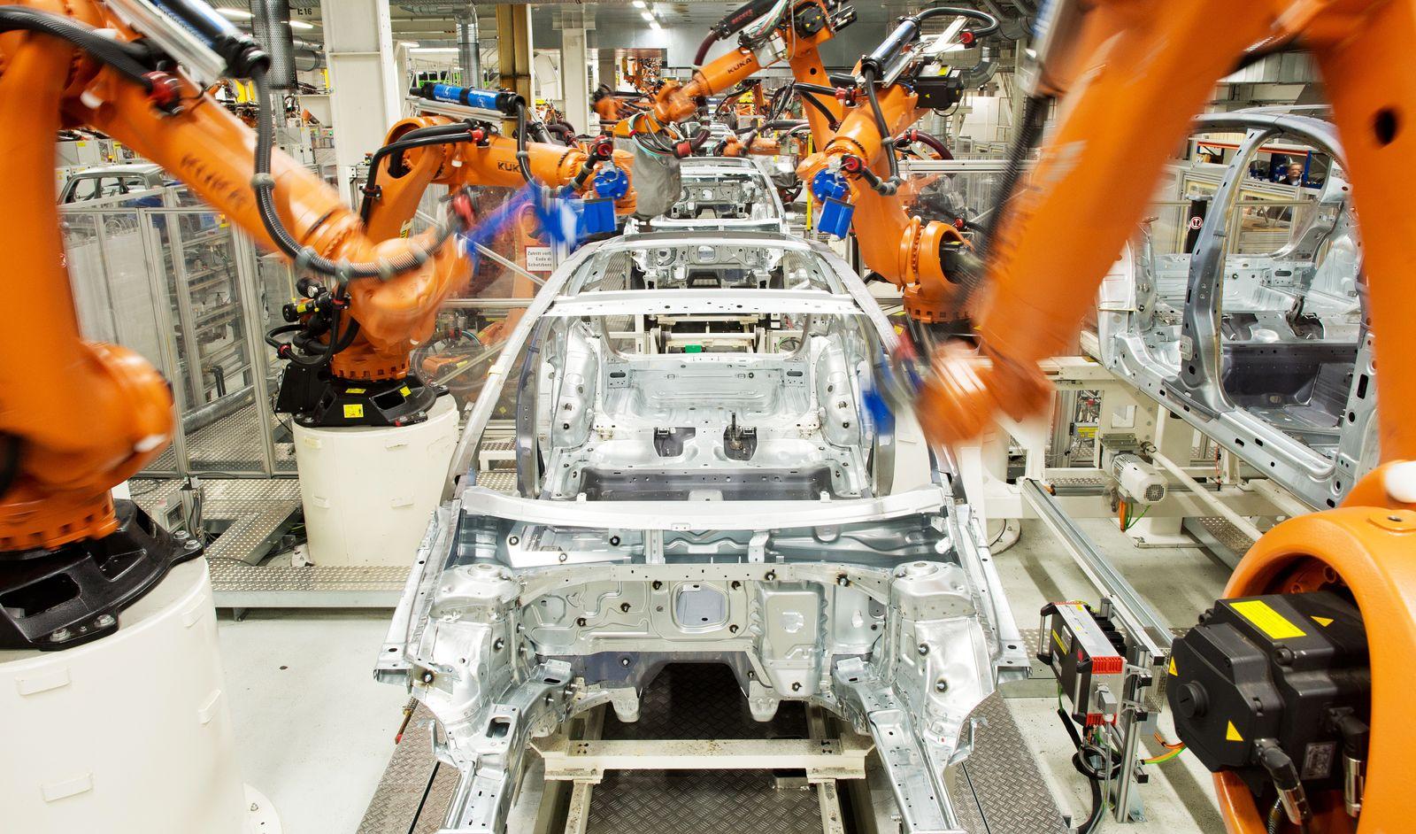 KUKA / Automatisierung Arbeitsplätze / Roboter