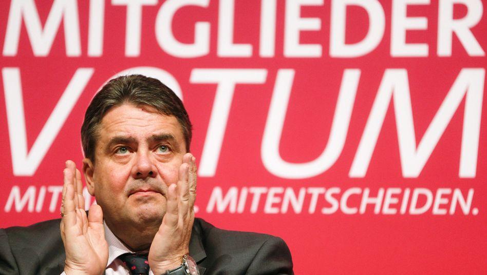 Sigmar Gabriel soll als Minister die Energiewende managen - sofern die SPD-Basis dem Koalitionsvertrag zustimmt