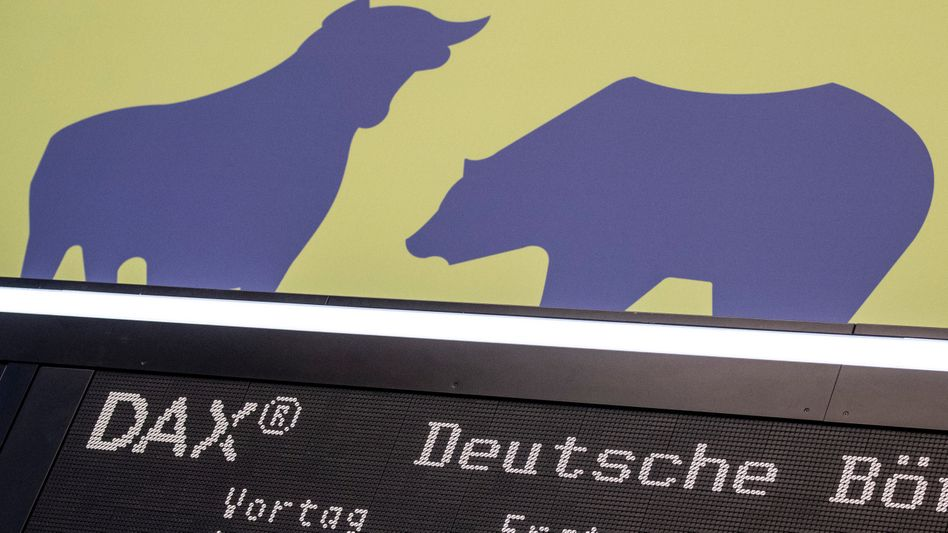 Dax im Vorwärtsgang: Bulle und Bär an der Börse