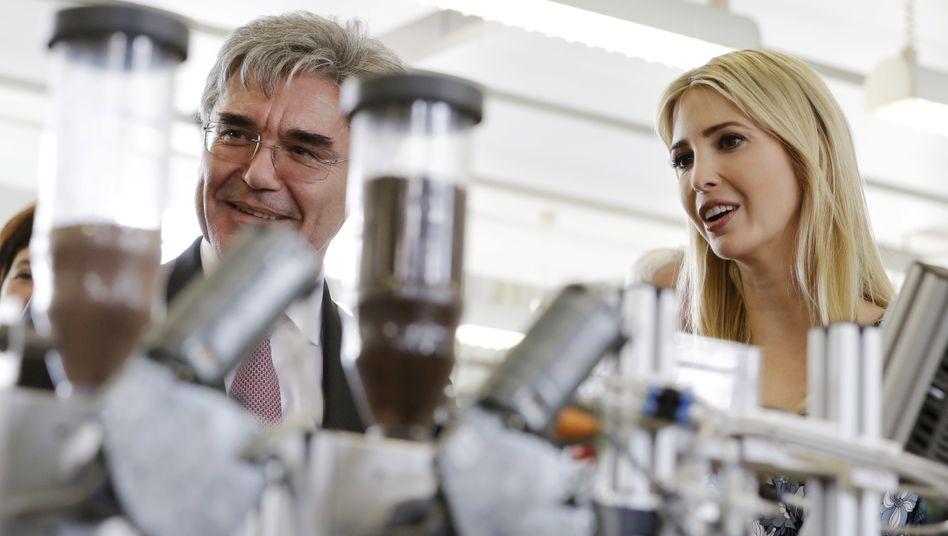 Siemens-Chef Kaeser, Ivanka Trump (im April 2017 in Berlin): Medizintechnik soll rasch an die Börse - ein Börsengang könnte Siemens bis zu 10 Milliarden Euro in die Kasse spülen
