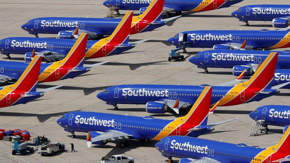 Am Boden: Weltweit dürfen Flieger des Typs Boeing 737 Max nicht abheben, bis die Flugbehörden grünes Licht geben.