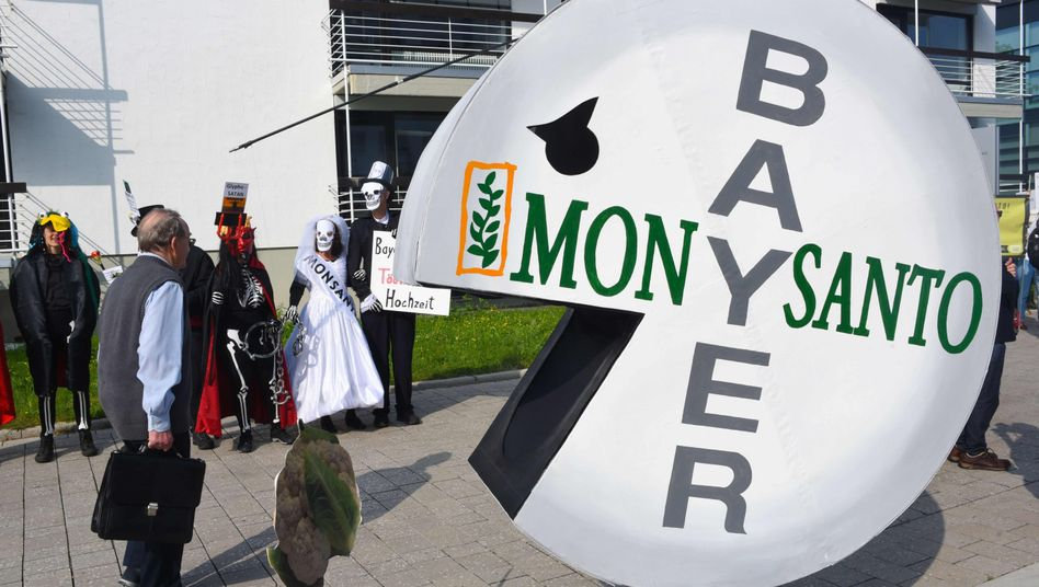 Monsanto trieb im letzten Quartal den Umsatz von Bayer deutlich an, doch die Folgekosten im Zuge der Übernahme und drohende Prozessrisiken sind enorm