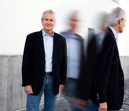 """Er ist gerade gegangen: Werner Bukowski (55) ist vor Kurzem in die Schweiz gezogen, """"wegen der Steuern"""". Keine große kulturelle Umstellung für den Vertriebsexperten - in Zürich leben bereits 35.000 Deutsche"""
