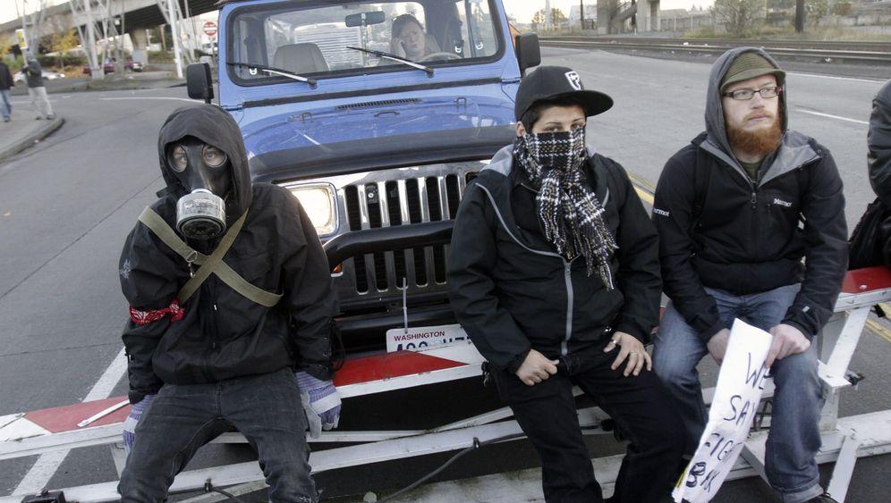 Protest gegen Großkonzerne: Occupy-Anhänger blockieren Häfen