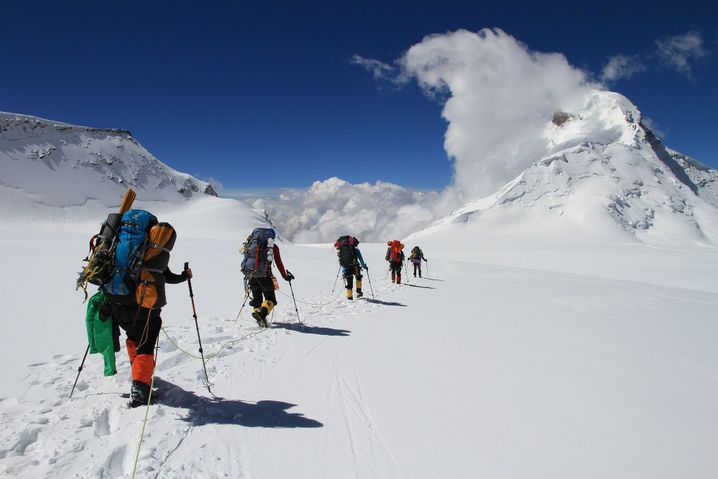 Logistik: Für einen Alleinreisenden ist die Vorbereitung für eine echte Bergexpedition kaum zu schaffen