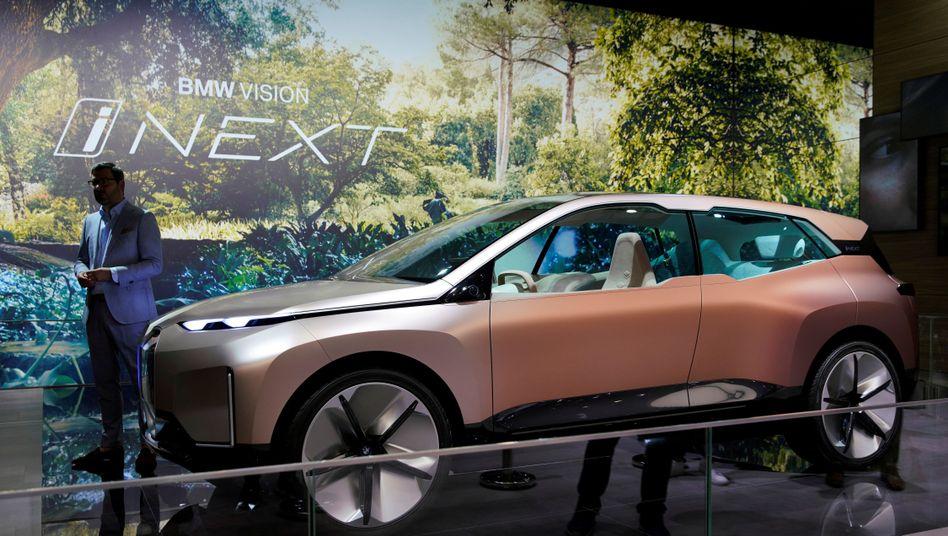 BMWs Vision iNEXT auf der Autoshow in Shanghai