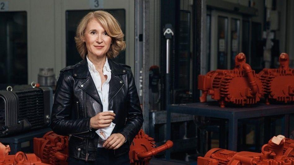 Steuerfrau: Ayla Busch (51) führt die Produktion und kümmert sich um die Kultur in dem Familienunternehmen mit seinen 3500 Beschäftigten