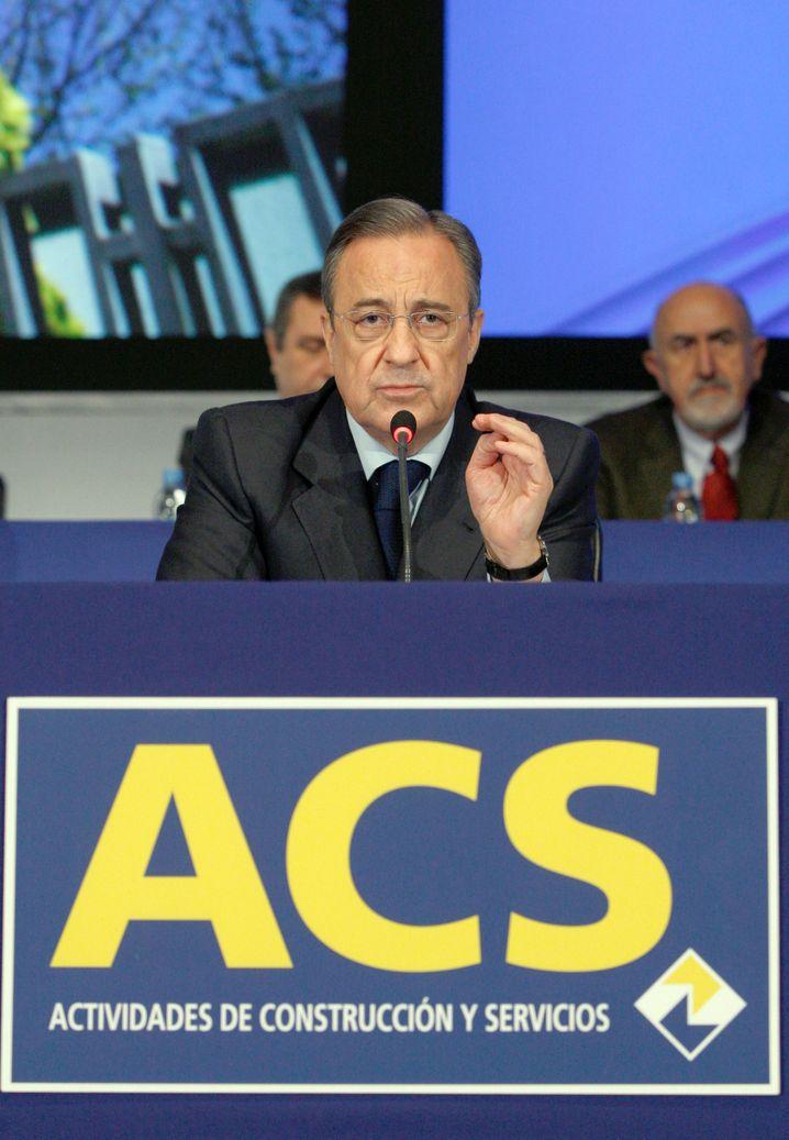 Hat sich erfolgreich herangepirscht und kann jetzt auch Hochtief Handzeichen geben: Florentino Pérez, ACS-Chef.