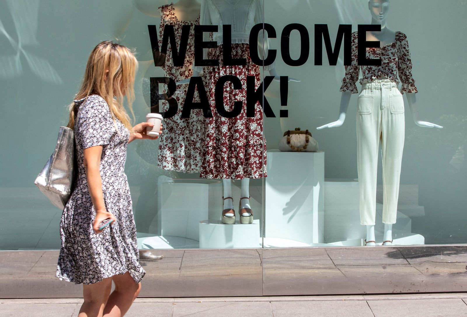 """Welcome Back"" Zara shop"