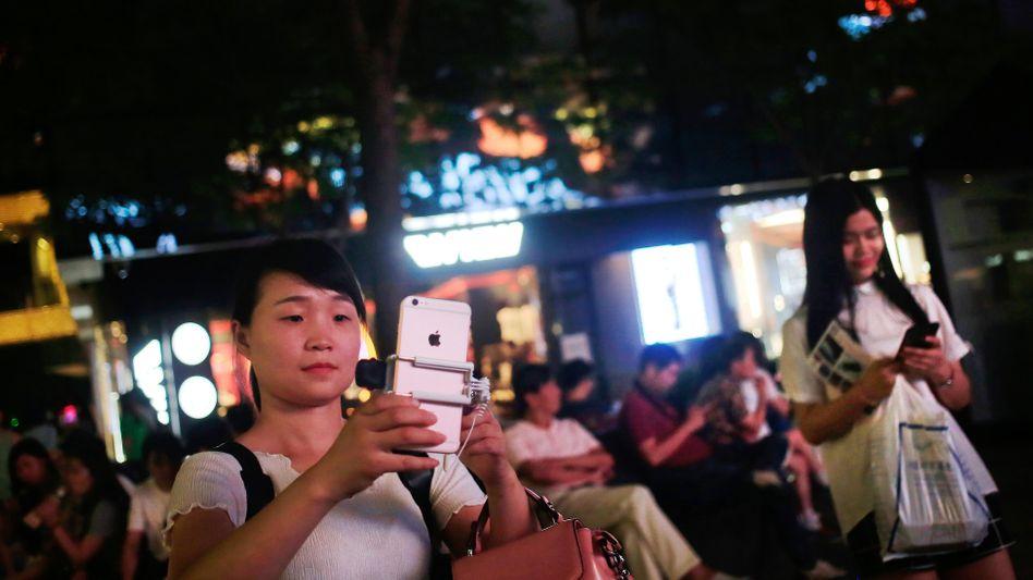 Apple montiert sein wichtigstes Produkt in China: Und so nimmt Donald Trump das iphone und andere Produkte zunächst von den neuen Strafzöllen aus