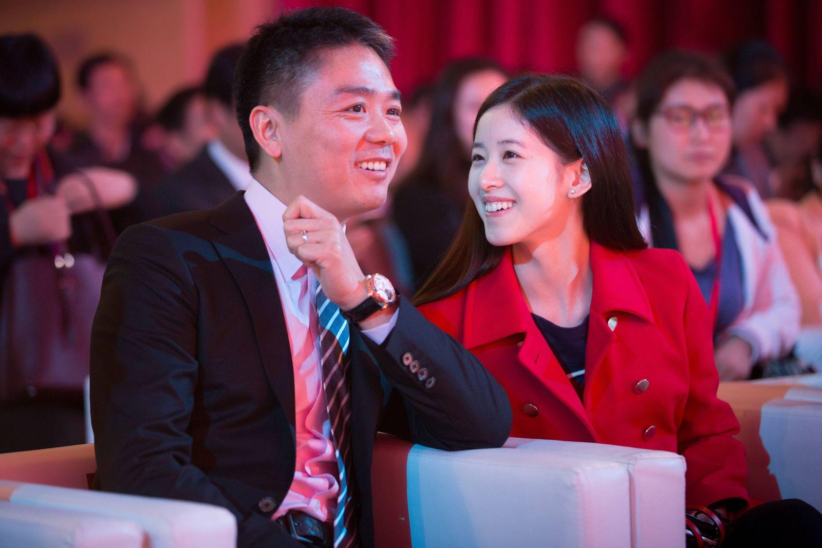 EINMALIGE VERWENDUNG Richard Liu / Zhang Zetian