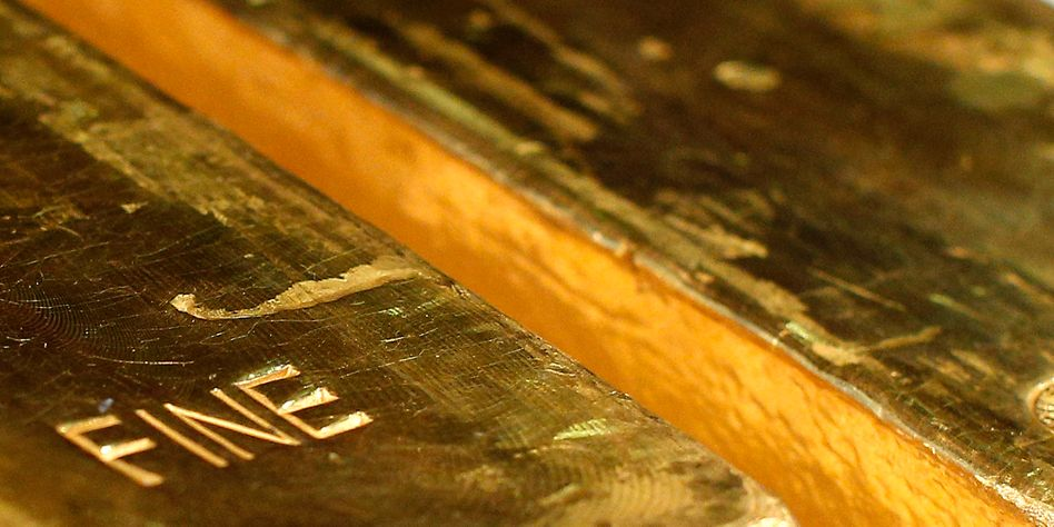 Goldbarren in Nahaufnahme: Anleger flüchten in unsicheren Zeiten in das Edelmetall, der Preis steigt