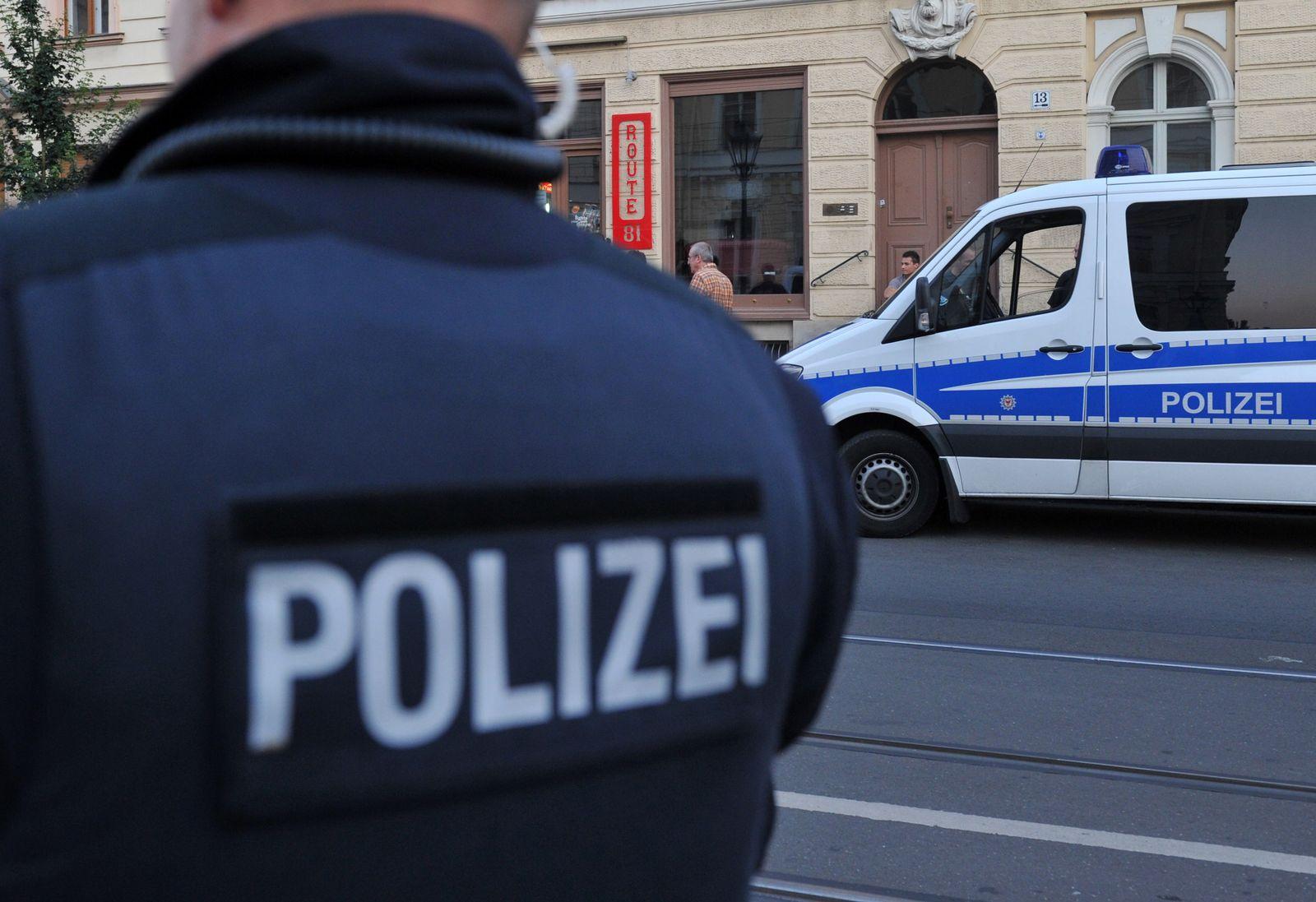 NICHT VERWENDEN Berlin / Polizei / Razzia Hells Angels