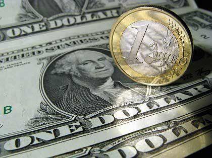 Abwärtskurs eingeschlagen: Euro verliert gegenüber dem Dollar an Wert