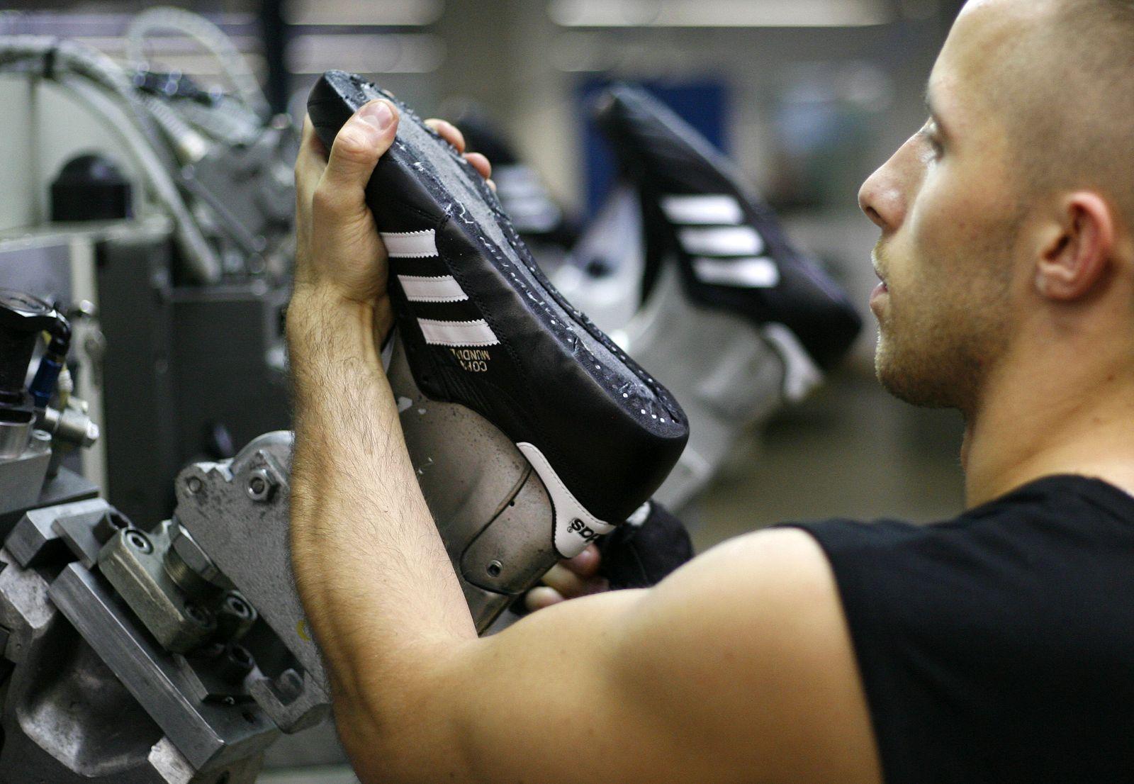 Adidas / Produktion / Scheinfeld Deutschland