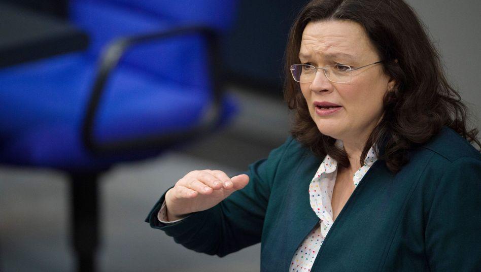 """""""Die Wahrscheinlichkeit, die Arbeit zu verlieren, ist so gering, wie lange nicht"""": Bundesarbeitsministerin Andrea Nahles"""