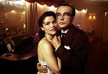 Swingin' Fifties: Zeitungsreporter Paul Hartmann (Lucas Gregorowicz) und Ehefrau Annette (Katharina Wackernagel)