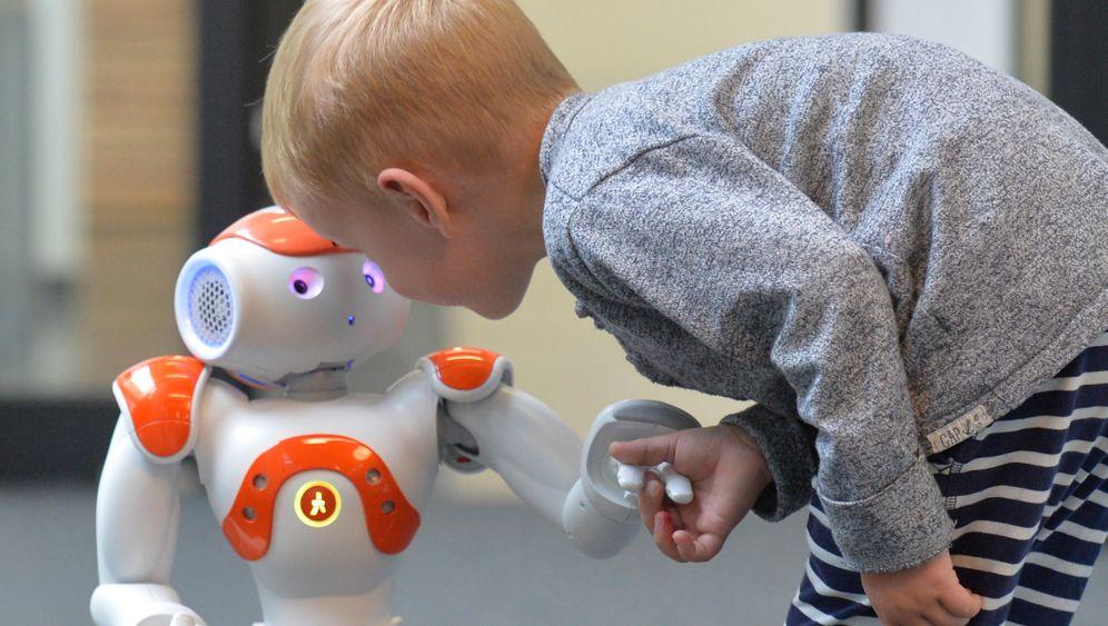 World Economic Forum schlägt Alarm: Die Roboter kommen - diese Berufe könnten sie bald ausüben