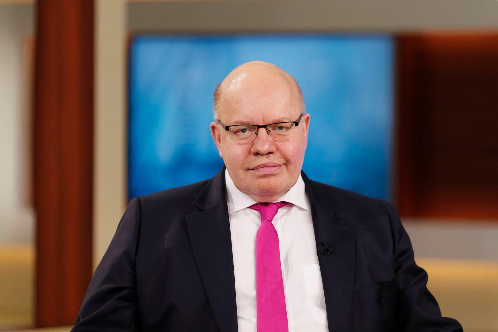 Peter Altmaier 2021-04-18, Deutschland, Berlin - Peter Altmaier (CDU), Bundesminister für Wirtschaft und Energie, zu Ga