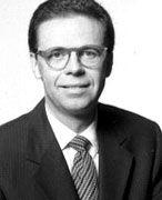 Prof. Dr. Hans-Gerd Servatius ist Geschäftsführer und Partner der PricewaterhouseCoopers Unternehmensberatung GmbH in Düsseldorf