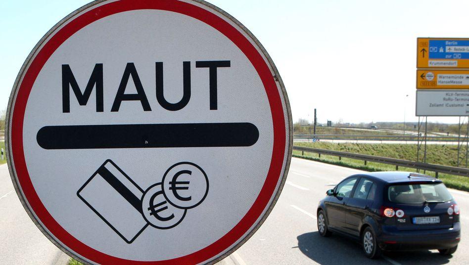 Mautpflichtiger Warnowtunnel in Rostock: Vereinzelt müssen Autofahrer in Deutschland bereits Mautgebühren zahlen
