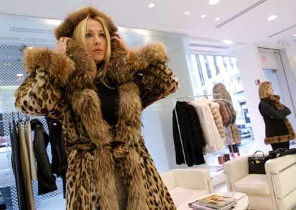 """Kundin mit 18.000-Dollar-Mantel bei """"Royal Chie"""": Kunden wollen gepampert werden"""