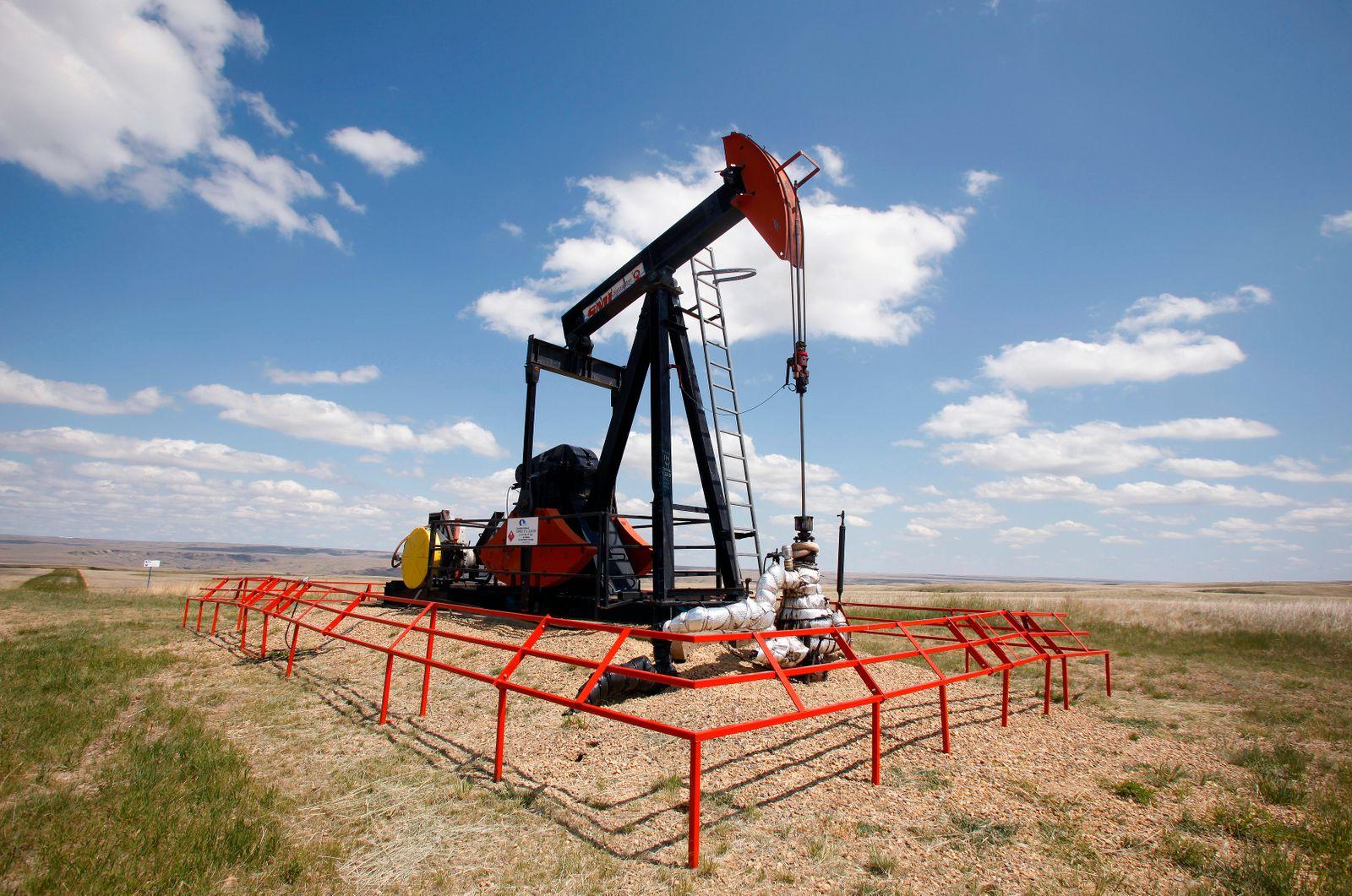 Öl / pump jack / Alberta, Kanada