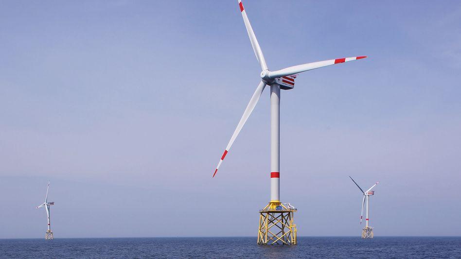 """Flaute: Energiekonzerne wie Eon und Vattenfall setzen auf Offshore-Anlagen wie """"Alpha Ventus"""" in der Nordsee. Anlagenbauer wie Vestas leiden dennoch unter schwacher Auftragslage"""