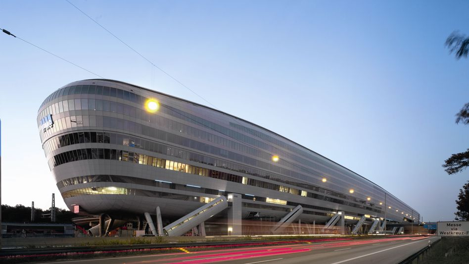 Spektakuläre IVG-Zentrale: Spektakulär war auch die Insolvenz 2013, nun könnte der Immobilienkonzern an die Börse zurückkehren