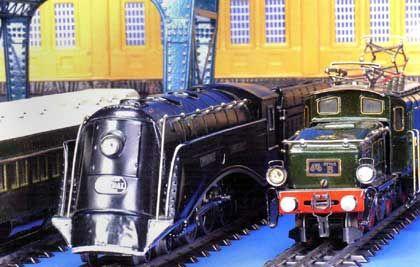 Rar und teuer: Amerikanische Stromliniendampflok (l) und das Schweizer Krokodil