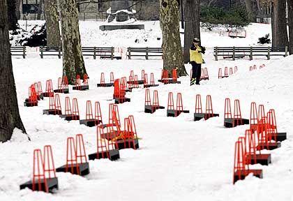"""Der Weg eines Projekts: Markierungen für """"The Gates"""" im Central Park"""
