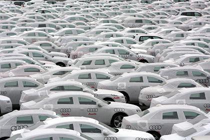 Auf Halde: Die europäischen Autohersteller leiden unter der Absatzflaute und fordern staatliche Hilfen