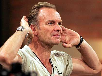 Diese possierlichen Deutschen: Popstar Sting amüsierte sich königlich über den ewig währenden Kindergeburtstag