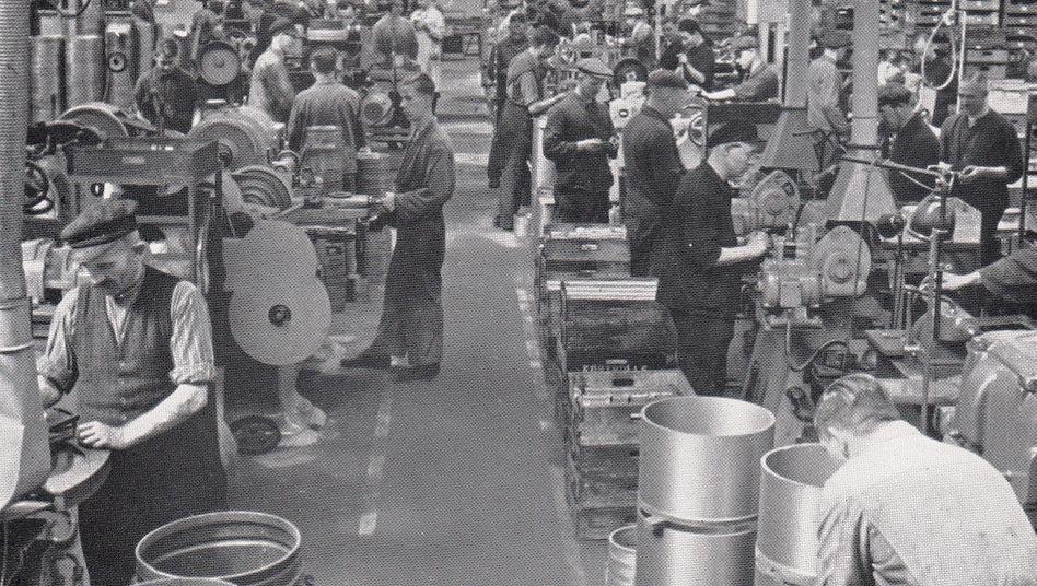 Continental 1935: Kolbenring-Fertigung im Werk Frankfurt
