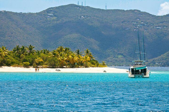 Herrlicher Ankerplatz: Einen der schönsten Palmenstrände findet man auf Sandy Cay