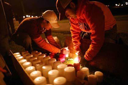 Trauer und Protest: Die Medien holten sich bei der Onlinecommunity Facebook Informationen über die Opfer