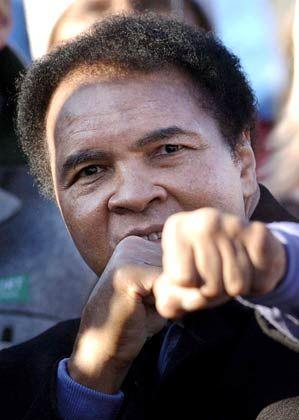 Sport-Ikone: Muhammad Ali wird in Davos mit dem Crystal Award geehrt