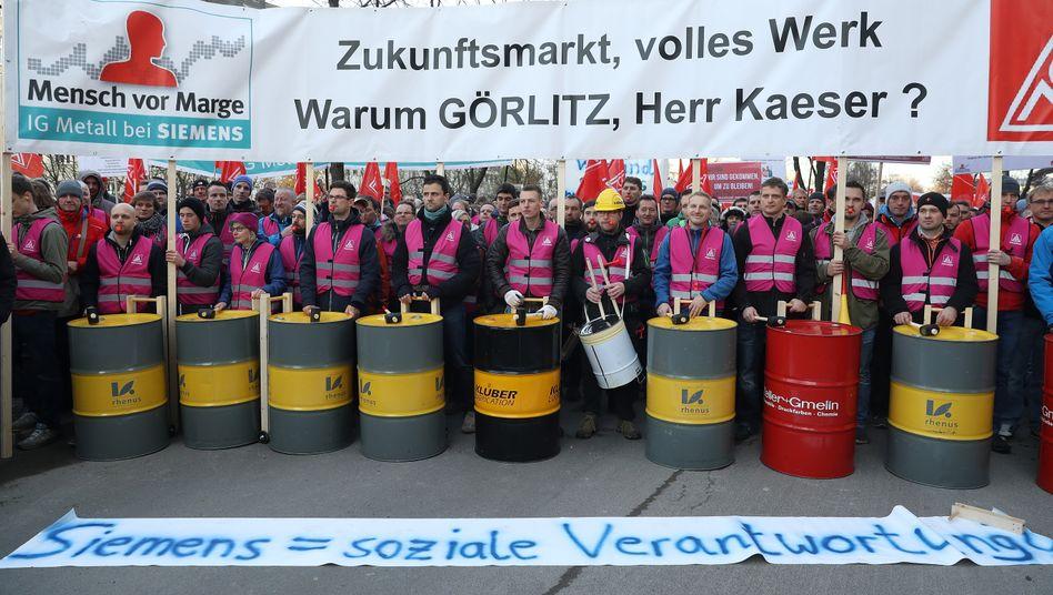 Der Protest zeigt offenbar Wirkung: Siemens-Chef Joe Kaeser rückt immer weiter von Schließungsplänen für das Werk Görlitz ab
