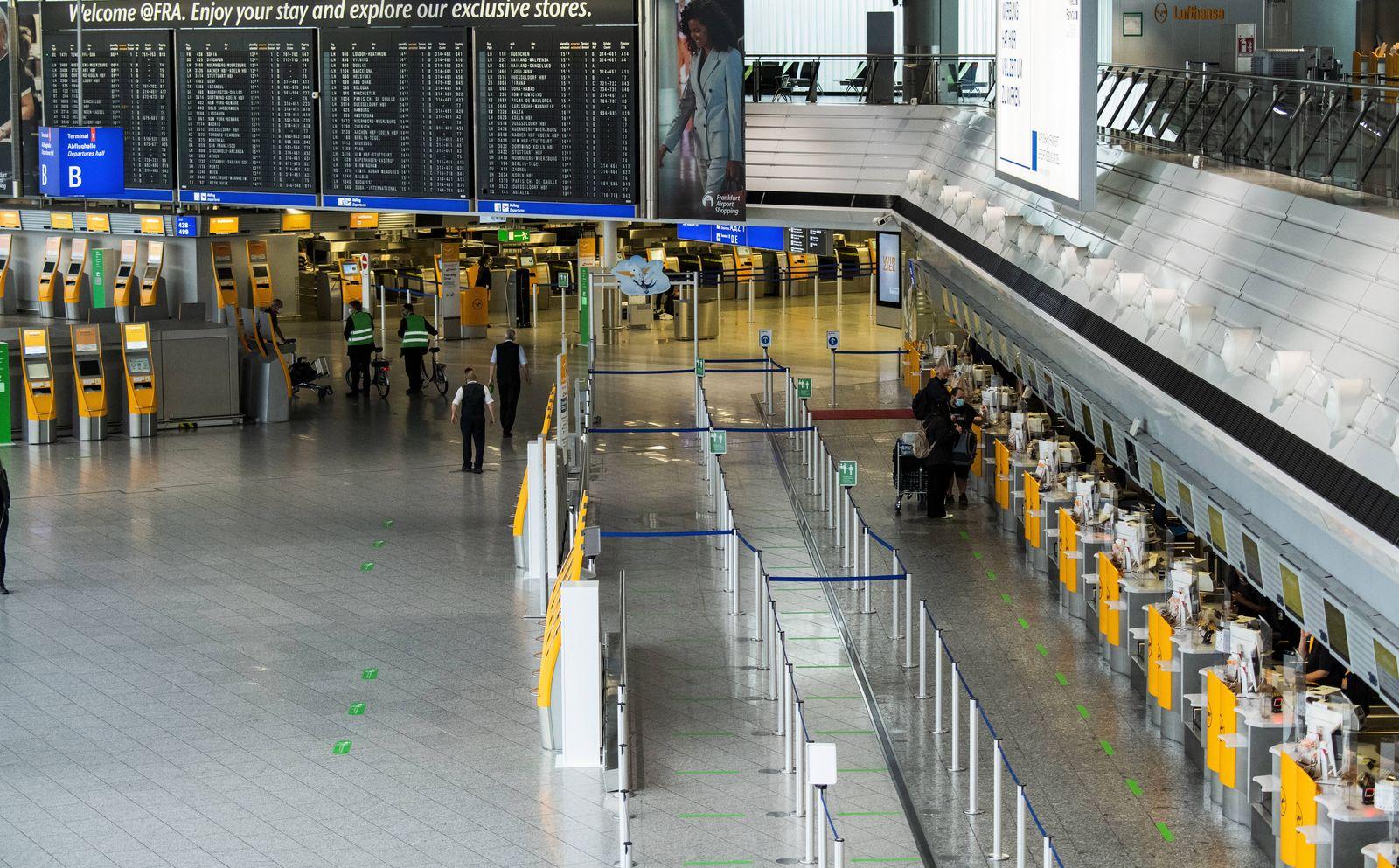 Fraport, Suche nach Urlaubsreisenden 15.06.2020 Frankfurt (Hessen) x1x Flughafen Fraport, Suche nach Urlaubsreisenden am