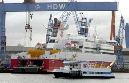 """Howaldswerke-Deutsche Werft (HDW) in Kiel mit """"Superfast""""-Schnellfähre: Für einen zu hohen Preis weitergegeben?"""